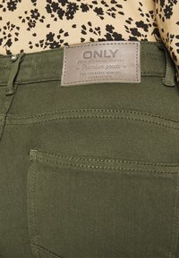 ONLY - ONLPOWER LIFE MID PUSH UP - Jeans Skinny Fit - kalamata - 5