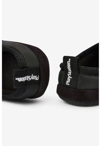 Next - PLAYSTATION SLIPPERS - Slippers - black - 4