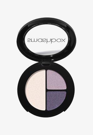PHOTO EDIT EYE SHADOW TRIO 3,2 G - Eyeshadow palette - 685e77, b8a4b3, f5e7e0 #repost