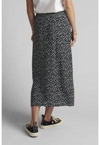 Nümph - NUCARLY SKIRT - Maxi skirt - black - 2