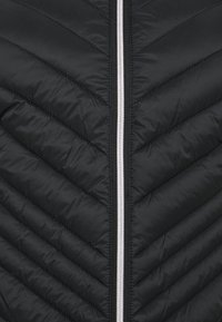 CAPSULE by Simply Be - LIGHTEWEIGHT PADDED SHORT COAT - Light jacket - black - 2