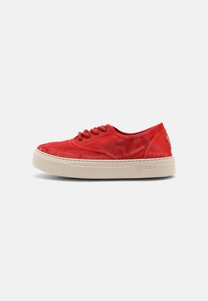 Trainers - rojo