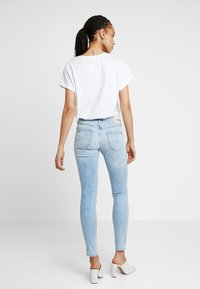 Tommy Jeans - LOW RISE SOPHIE  - Jeans Skinny Fit - hawaii light blue - 2