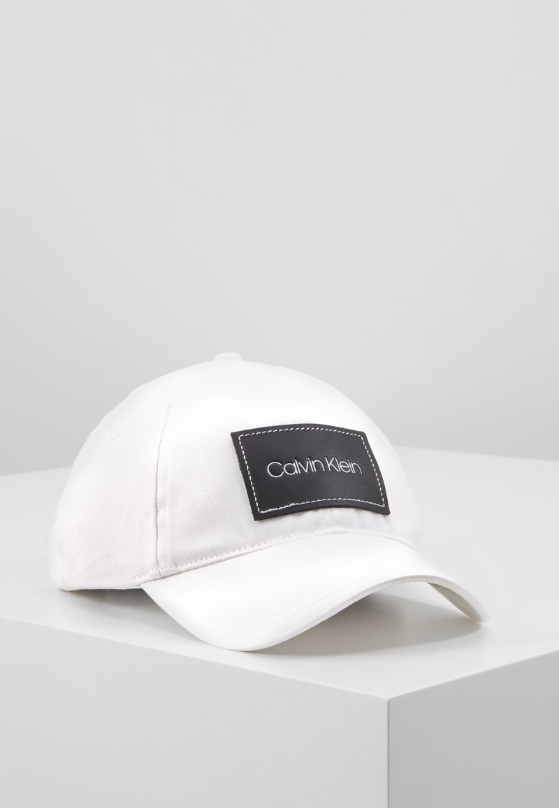Calvin Klein - PATCH - Pet - white