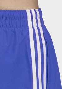 adidas Originals - 3-STRIPES SWIM SHORTS - Szorty kąpielowe - blue - 6