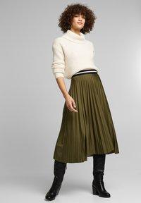 Esprit - MIT ELASTIK-BUND - A-line skirt - khaki green - 1