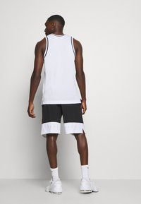 Nike Performance - SHORT - Träningsshorts - black - 2