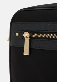 MICHAEL Michael Kors - JET SET CROSSBODY - Bandolera - black - 4