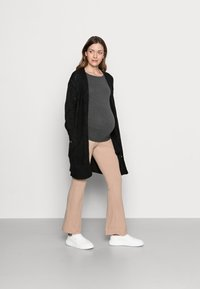 Pieces Maternity - PCMPAM FLARED PANT - Trousers - warm taupe - 1