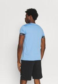 Ellesse - ALENTE - Print T-shirt - light blue - 2