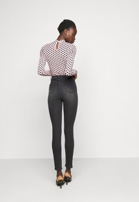 Missguided Tall - SINNER HIGHWAISTED CLEAN  - Jeans Skinny Fit - black - 2
