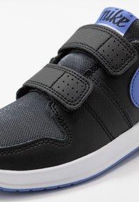 Nike Performance - PICO 5 GLITTER - Zapatillas de entrenamiento - black/white/sapphire - 2