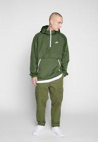 Nike Sportswear - Wiatrówka - treeline/white - 1