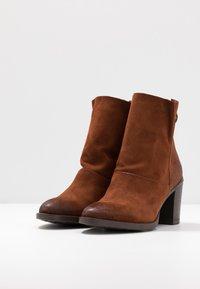 MJUS - Kotníkové boty - penny - 4