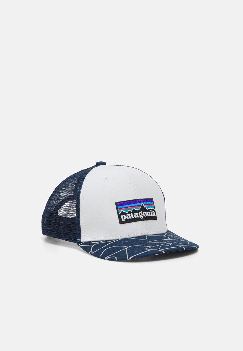 Patagonia - TRUCKER HAT UNISEX - Cap - white/bartolome/stone blue