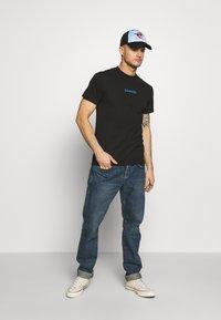 HUF - AINT NO SUNSHINE - Print T-shirt - black - 1