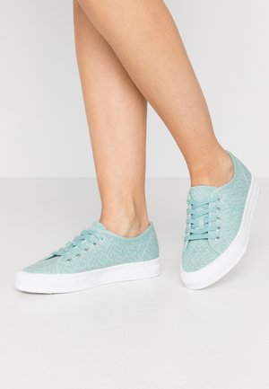 SIMONA LOGO - Sneakers - light aqua green