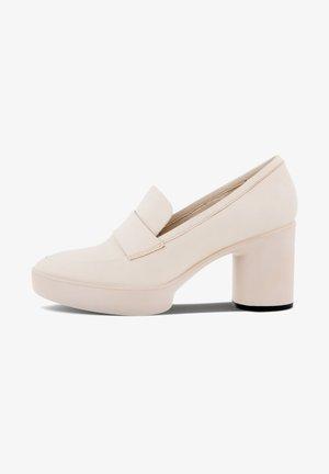 Loafers - limestone