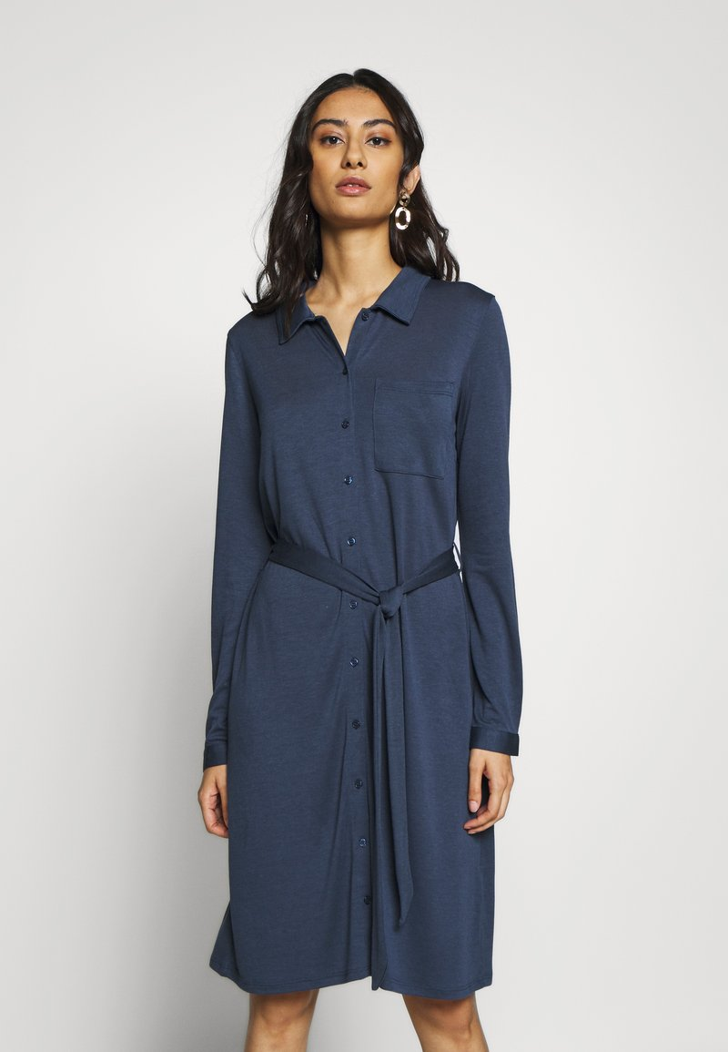 Moss Copenhagen - MELISSA SHIRT DRESS - Jersey dress - sky captain