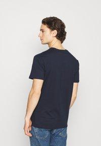 Quiksilver - SAVIORS ROAD - Print T-shirt - navy blazer - 2
