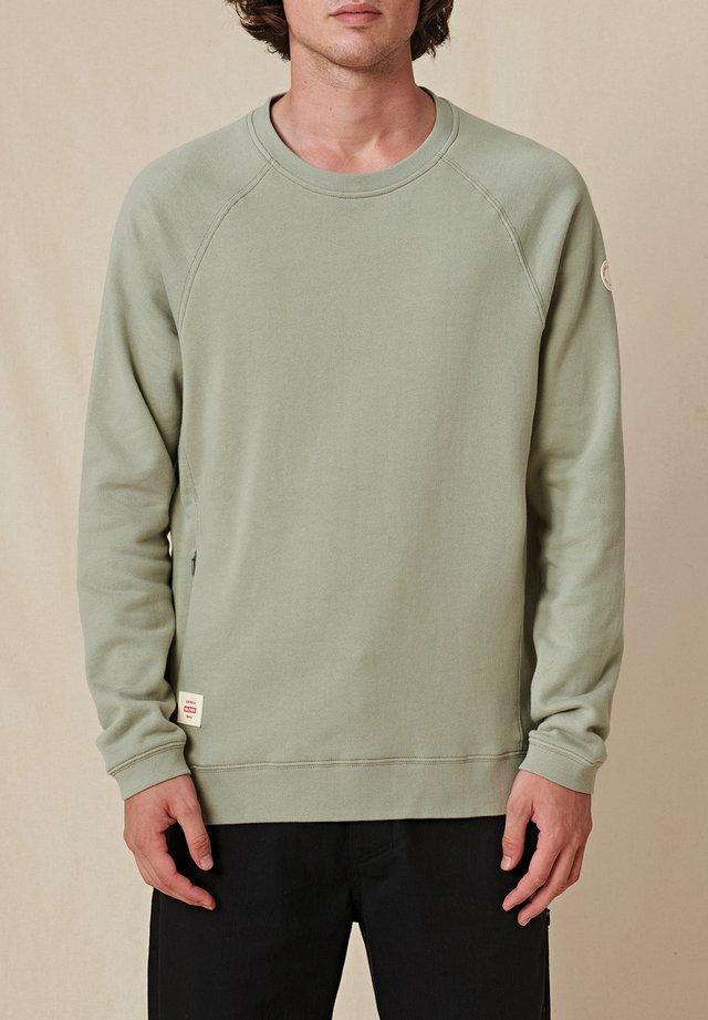 TRAVELLER CREW - Pullover - sage