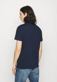 REVOLUTION - LOOSE FIT POCKET - T-shirt basic - navy - 2