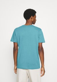 Selected Homme - SLHNORMAN O NECK TEE  - Basic T-shirt - bluejay - 2