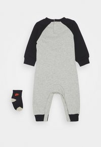 Nike Sportswear - FUTURA COVERALL SOCK ATTACHMENT - Combinaison - stone heather - 1