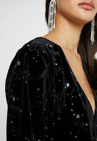 Missguided - LIGHT MAGIC STAR PLUNGE WRAP BODYSUIT - Top sdlouhým rukávem - black - 5