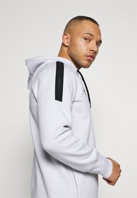 Under Armour - Hoodie - halo gray - 3