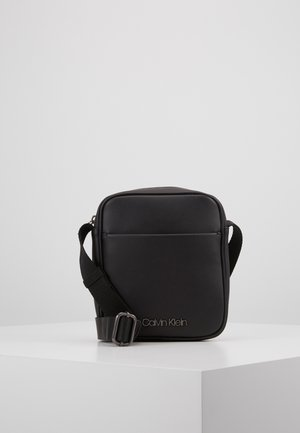 CENTRAL MINI REPORTER - Schoudertas - black