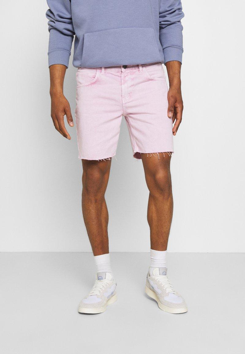 Kaotiko - BERMUDA BAGGY - Denim shorts - denim