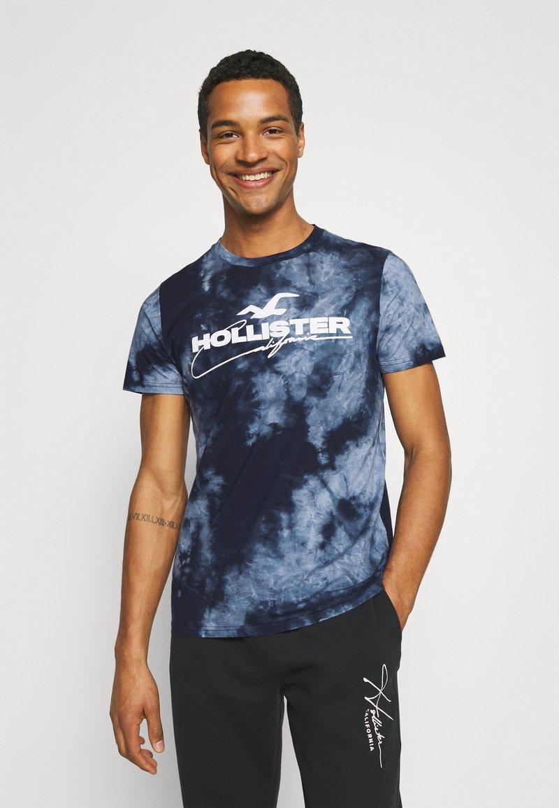 Hollister Co. - GRAPHIC - Print T-shirt - blue