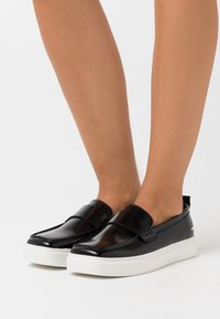 Joshua Sanders - SQUARED LOAFER  - Mocasines - black - 0