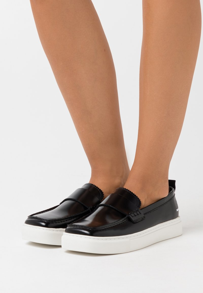 Joshua Sanders - SQUARED LOAFER  - Mocasines - black