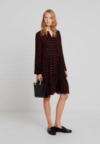Freequent - FLOW PRINT - Korte jurk - black mix - 2