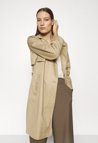 Selected Femme - SLFWEKA - Trenchcoat - cornstalk - 4