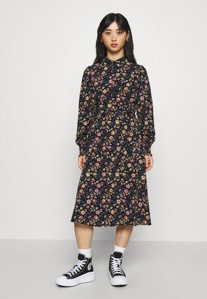 PCFALISHI MIDI DRESS - Shirt dress - sky captain