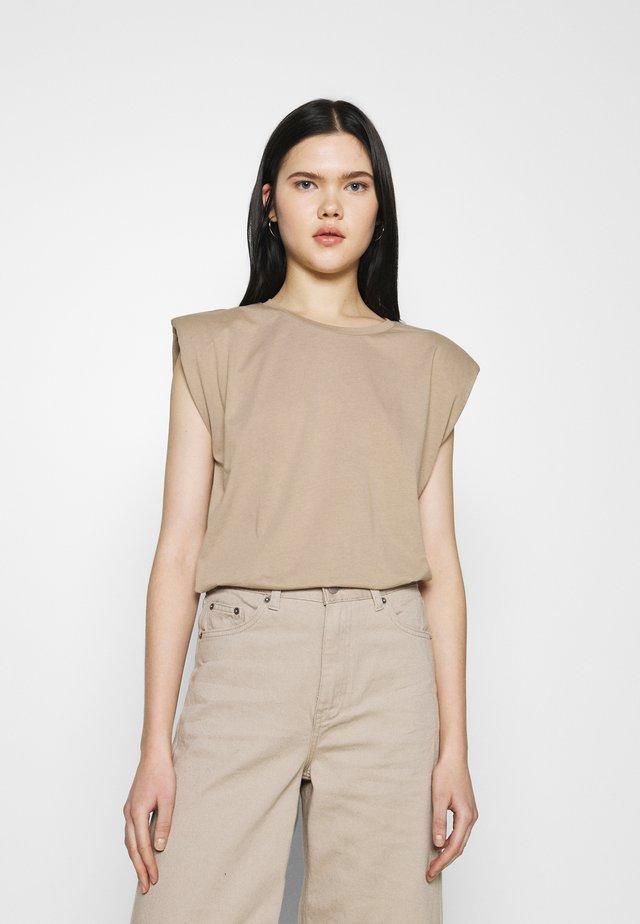 ONLPERNILLE SHOULDER - T-shirt basique - silver mink