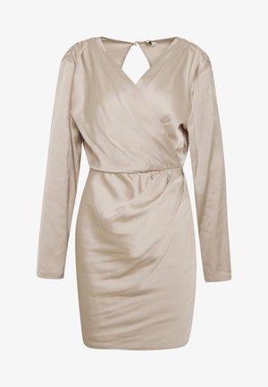 OUTSTANDING DRESS - Sukienka letnia - champagne