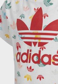 adidas Originals - T-SHIRT - Camiseta estampada - white - 5