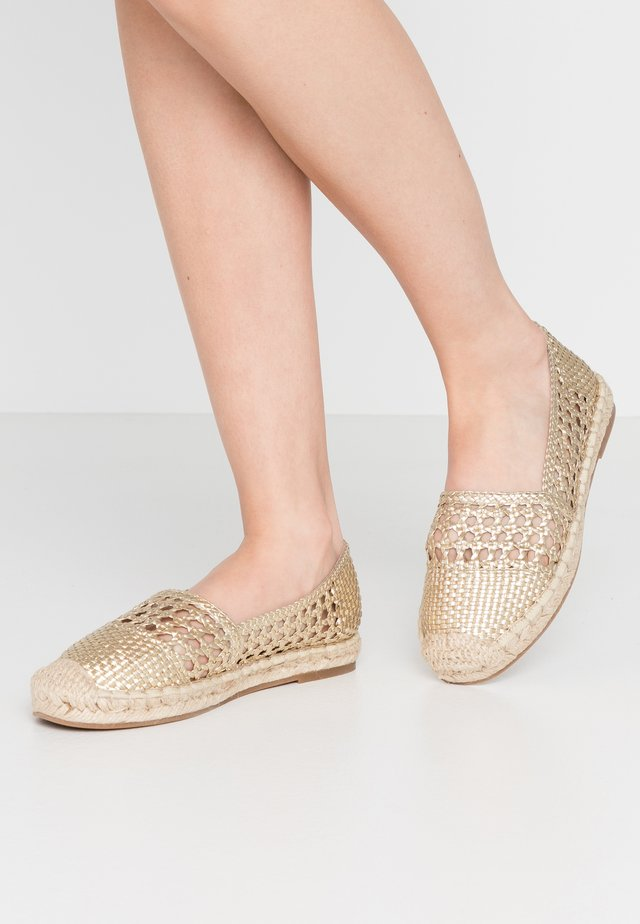 HALINE - Espadrillas - or