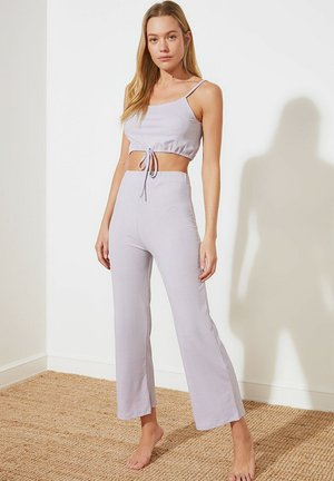 SET - Trousers - purple