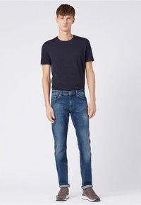 BOSS - DELAWARE Slim Fit - Slim fit jeans - dark blue - 1