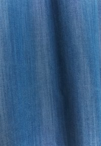 edc by Esprit - DRESS - Denimové šaty - blue medium wash - 2