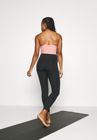 Nike Performance - THE YOGA 7/8 - Tights - black - 2