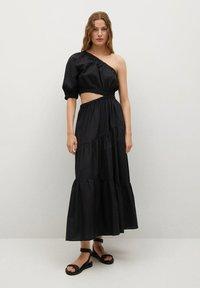 Mango - MIT SCHLITZ - Day dress - schwarz - 0