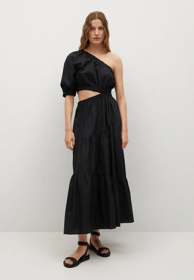 Mango - MIT SCHLITZ - Day dress - schwarz