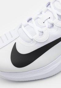 Nike Performance - COURT AIR ZOOM GP TURBO - Multicourt tennis shoes - white/black - 5