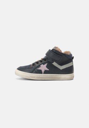 IAN - Sneakers hoog - navy